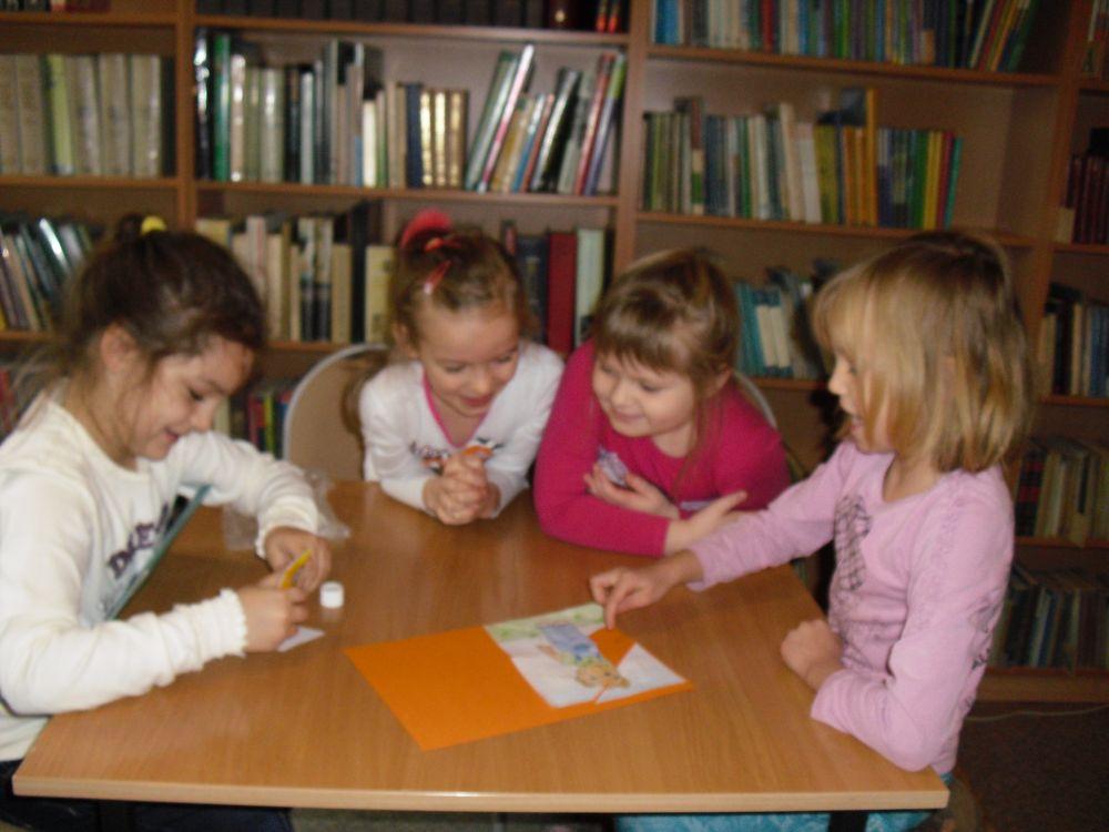 spotkanie-z-misiem-uszatkiem-biblioteka-bozepole-wielkie